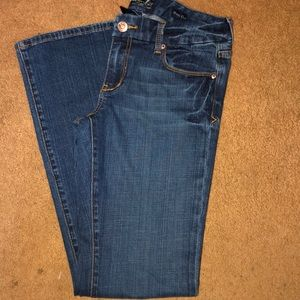 Nice pair of Seven7 jeans.